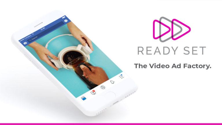 Smartphone mostrando exemplo de uma propaganda criada pela Ready Set no feed do Facebook